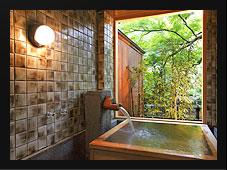 温泉半露天付き和洋室A 温泉露天風呂
